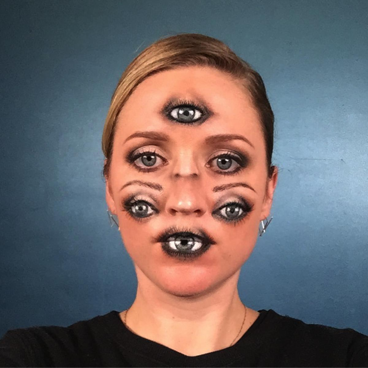 """Sexy"" Eyes Halloween Makeup"